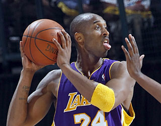 Kobe Bryant sticks it to the Thunder in the fourth and also moves up the career scoring list.  (Getty Images)
