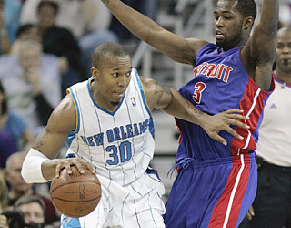David West (30 points) and the Hornets push the Pistons to their eighth consecutive loss.  (AP)