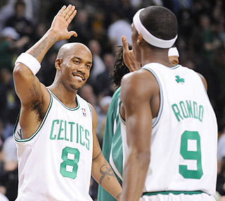 Stephon Marbury plays well in his debut, scoring eight points and adding two assists.  (Getty Images)
