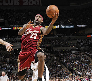 LeBron James needs only three quarters to shred the Spurs for 30 points in the win.  (Getty Images)