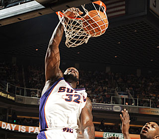 Shaquille O'Neal continues his recent surge, pouring in 33 against his former team.  (Getty Images)