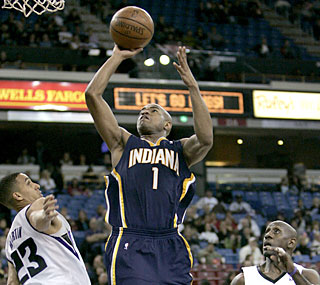 Jarrett Jack raises his game for the playoff-hungry Pacers by notching 26 points against the Kings.  (AP)