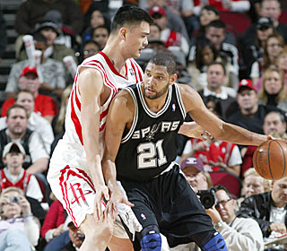 Tim Duncan finishes with 15 points and 12 rebounds and nets his 19,000th career point.  (Getty Images)