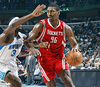 Ron Artest does his damage in the second half, scoring all 18 of his points after halftime.  (Getty Images)