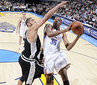 'We fought hard,' says Kevin Durant, who finishes with a team-high 25 points.  (Getty Images)