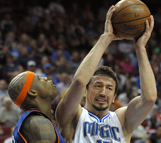 Hedo Turkoglu chips in with 20 points as the Magic keep pace near the top of the East.  (AP)