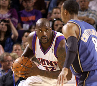 Shaquille O'Neal now finds himself 4,008 points behind Wilt Chamberlain on the scoring list.  (Getty Images)