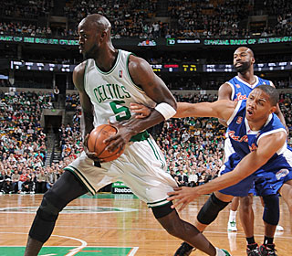 Kevin Garnett plays only 18 minutes but hits all five of his field-goal attempts.  (Getty Images)