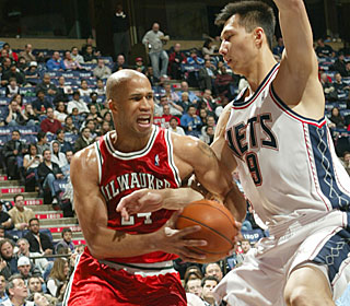 Richard Jefferson makes eight of his 12 field-goal attempts and pours in a game-high 29.  (Getty Images)