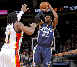 Rookie O.J. Mayo goes for 24 points to lead six Grizzlies in double figures.  (Getty Images)