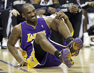 Kobe and the Lakers stumble against the Bobcats, who complete the season sweep of Los Angeles.  (AP)