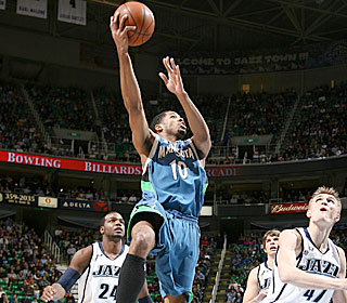 Rodney Carney steps up in the fourth quarter, pouring in 10 of his 25 in the final frame.  (Getty Images)