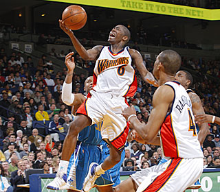 Jamal Crawford stays aggressive during his 39-point outburst to power the Warriors.  (Getty Images)