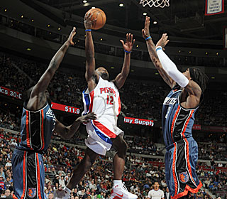 The Bobcats have no answer for Will Bynum in the fourth during his 26-point outburst.  (Getty Images)