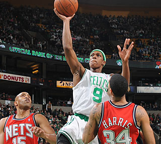 Need a lift? Rajon Rondo steps up by notching 31 points, nine boards and five assists.  (Getty Images)