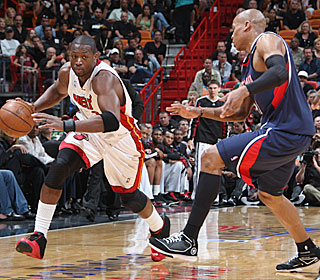 'No pressure on us. We're the underdogs in this series,' Dwyane Wade says after scoring 41.  (Getty Images)