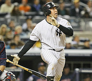 Mark Teixeira enjoys his 23rd career multihomer game in the Yankees' sixth straight win.  (AP)