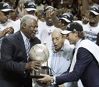 What makes a conference title sweeter? Being handed the trophy by the legendary Oscar Robertson.