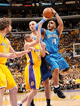 Jameer Nelson scores six points and adds four assists in 23 minutes. (Getty Images)