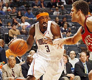 Gerald Wallace's activity translates into big numbers, netting him 24 points and 20 boards. (Getty Images)