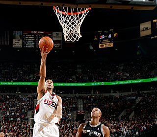 Brandon Roy makes 9 of 15 shots to lead all scorers on the night with 24 points. (Getty Images)