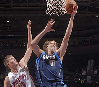 Dirk Nowitzki leads four Mavericks in double figures, pouring in 25 points for 7-3 Dallas.  (Getty Images)
