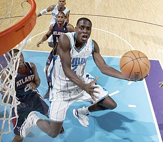 Playing in place of Chris Paul, rookie Darren Collison goes for 22 points and 11 assists.  (Getty Images)
