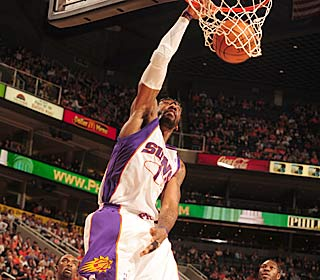 Amare Stoudemire displays his power game as the Suns shoot 58 percent from the field.   (Getty Images)