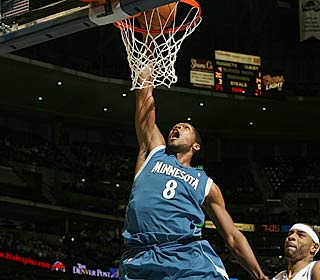 Ryan Gomes helps put an end to the Timberwolves' 15-game skid, netting 27 points.  (Getty Images)