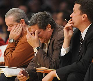 Temporary head coach Tom Barrise can't help the Nets avoid a record-tying loss.  (Getty Images)