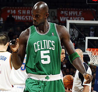 Kevin Garnett is pumped up after scoring 23 points to lead Boston to its seventh straight win.  (Getty Images)