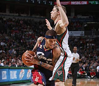 Delonte West scores 14 during the Cavs' 29-0 run to help Cleveland continue its hot stretch.  (Getty Images)