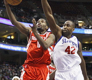 Aaron Brooks turns it up in the second half as he keeps the recent misery going for the Sixers. (AP)