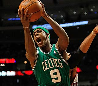 Rajon Rondo powers the Celtics to their 10th straight win, dropping 16 points and 14 assists.  (Getty Images)