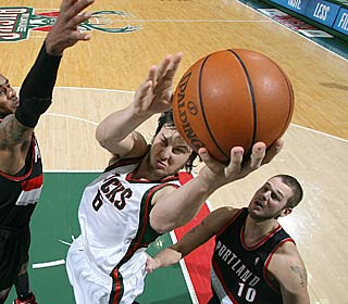 Andrew Bogut picks a great time for a season high, scoring 27 in the Bucks' narrow win.  (Getty Images)