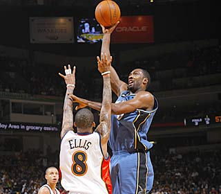Gilbert Arenas reminds the league he's still a lethal scorer, netting 45 with 13 assissts. (Getty Images)