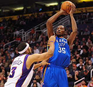Kevin Durant's 38 points helps the Thunder end their nine-game losing streak to the Suns.  (US Presswire)