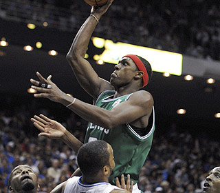 Rajon Rondo finishes two assists shy of a triple-double, helping the Celtics win their third straight. (AP)