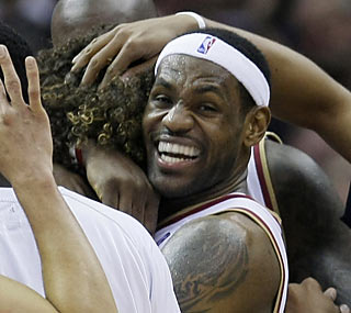 Anderson Varejao's timely first-career 3 is the best present LeBron could ask for on his birthday. (AP)