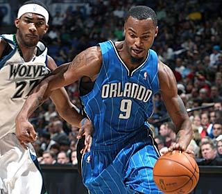 Rashard Lewis leads six Magic players in double figures, dropping 21 points as the Magic roll.  (Getty Images)
