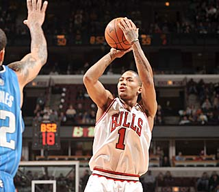 After averaging just more than 20 points in December, Derrick Rose continues to stay hot.  (Getty Images)