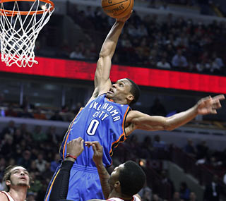 Russell Westbrook (29 points) and the Thunder slam the Bulls, whose four-game win streak ends.  (AP)