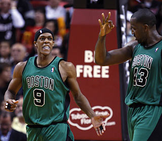 Rajon Rondo foils D-Wade's late-game heroics with some of his own and his teammates appreciate it.  (AP)