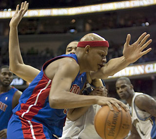 Charlie Villanueva provides 23 points and nine boards as Detroit wins for the first time since Dec. 12.  (AP)