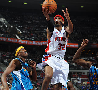 Richard Hamilton makes 10 of 22 shots and hits 12 of 14 free throws. (Getty Images)