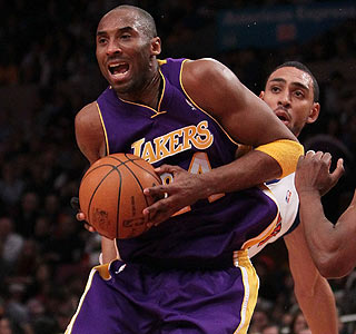 After a slow start, Kobe Bryant scores 27 points to lift the Lakers at Madison Square Garden.  (Getty Images)