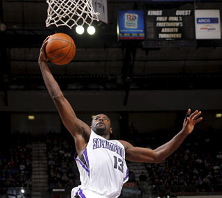Rookie Tyreke Evans (23 points) elevates his game as the Kings finally get a win. (Getty Images)