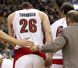 Hedo Turkoglu suffers a fractured orbital bone early in the win. He will be re-evaluated Monday.  (AP)