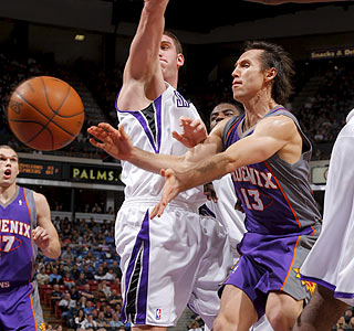 Steve Nash does what he does best -- making the Suns better with one of his 10 assists.  (Getty Images)