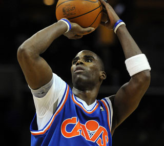 Antawn Jamison has a forgettable first game for the Cavs, shooting 0 for 12.  (US Presswire)